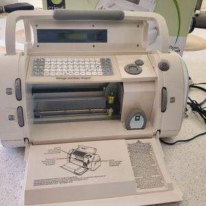 CRICUT 29-0001 Electronic Cutting Machine